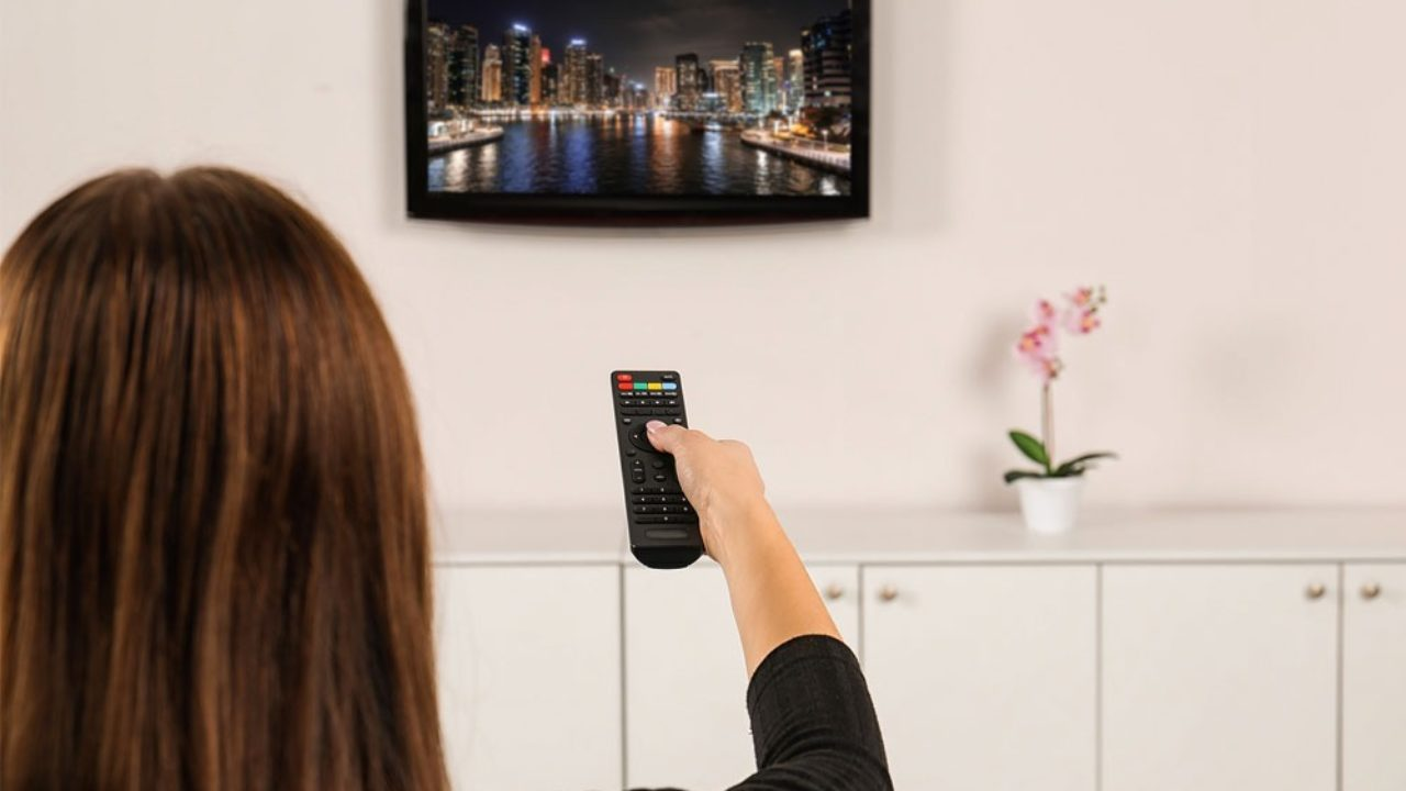 How High Should A Tv Be Mounted The Plug Hellotech