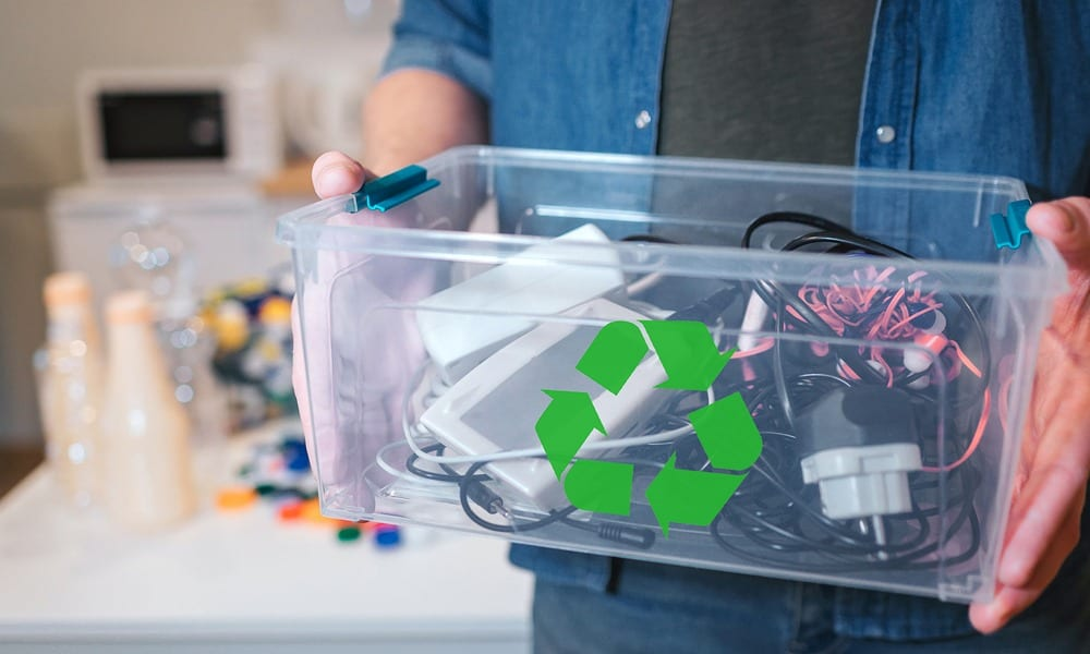 how to recycle electronics can you throw electronics in the trash